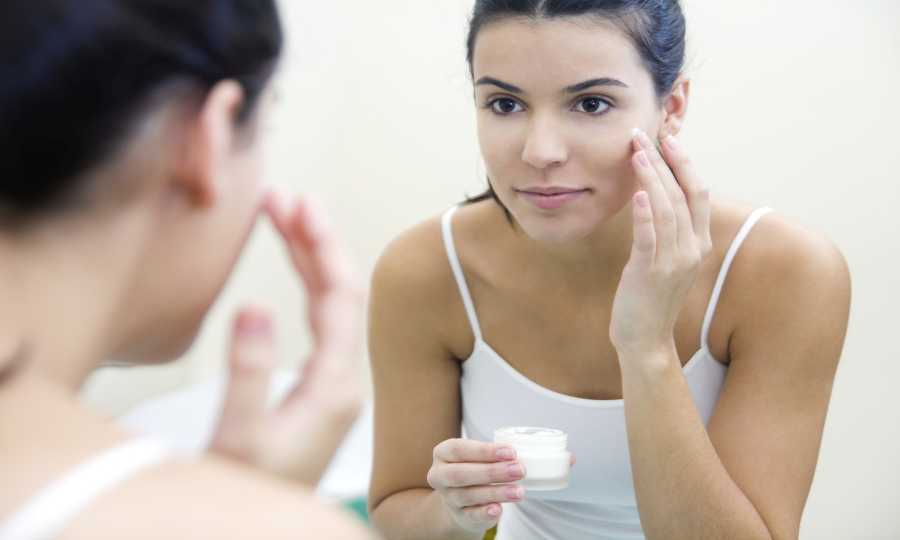 Beauty Cream to Remove Dryness of Face and Body